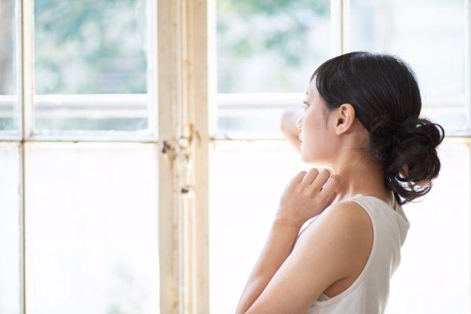 鏡を見るたびに憂鬱になる、顔のエラ張りの原因と解消法をお見逃しなく