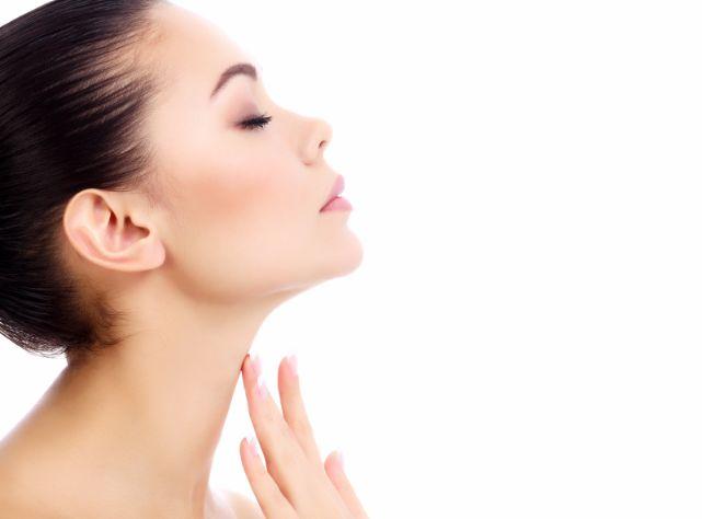 お肌と同じ弱酸性の「ホホバオイル」の効果がたまらない
