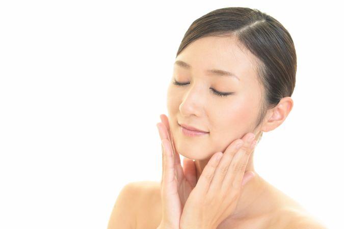 老け顔になってしまう前に!ほうれい線を予防するテクニック