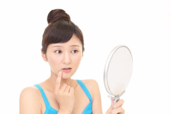 ガサガサ唇と無縁になれる、正しいリップケアの方法を公開中